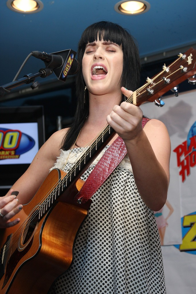 The Z100 Lounge At Planet Hollywood 016