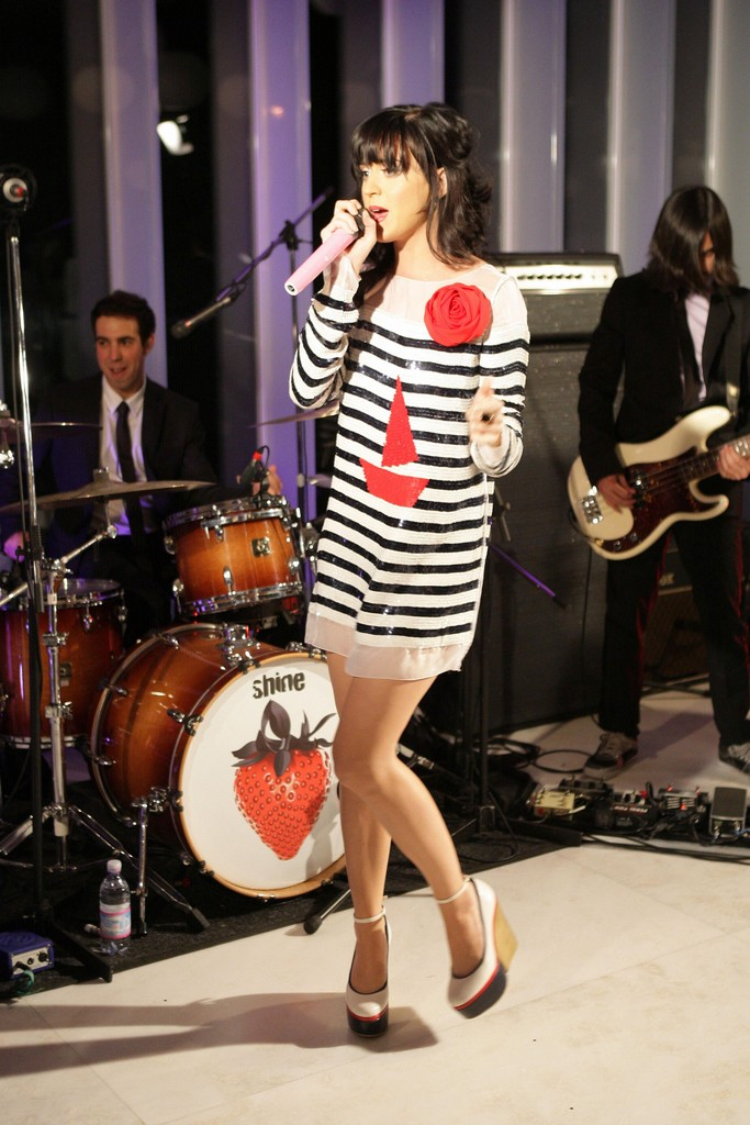 Katy Perry Showcase At D&G showroom 008