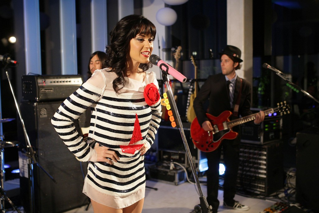 Katy Perry Showcase At D&G showroom 010
