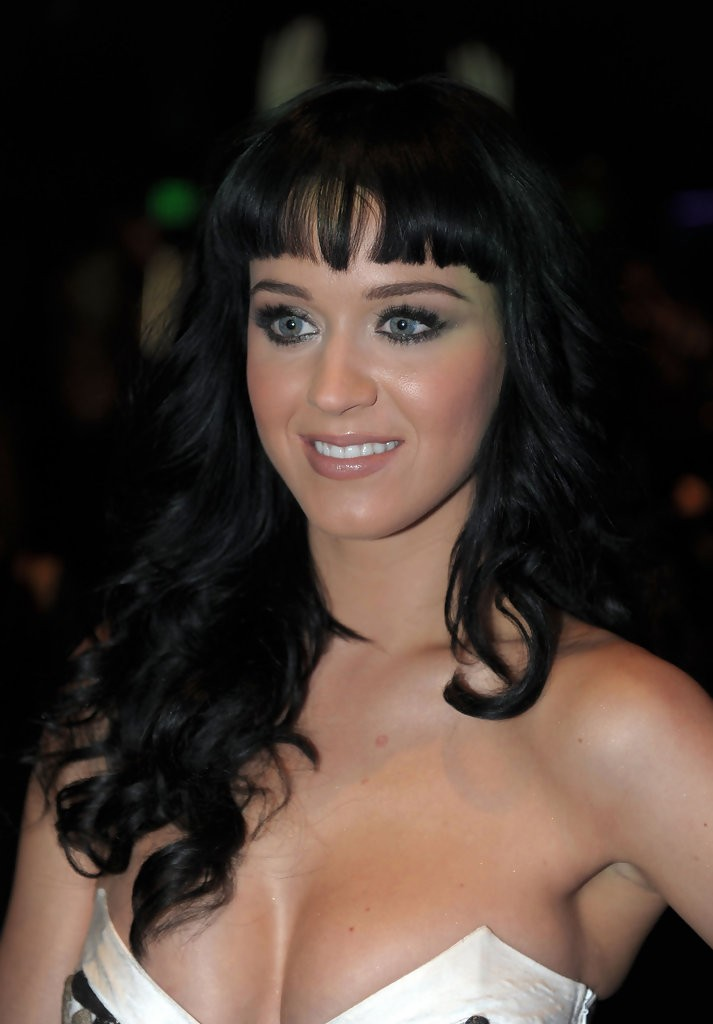 Katy Perry – The GRAMMY Nominations Concert Live 002