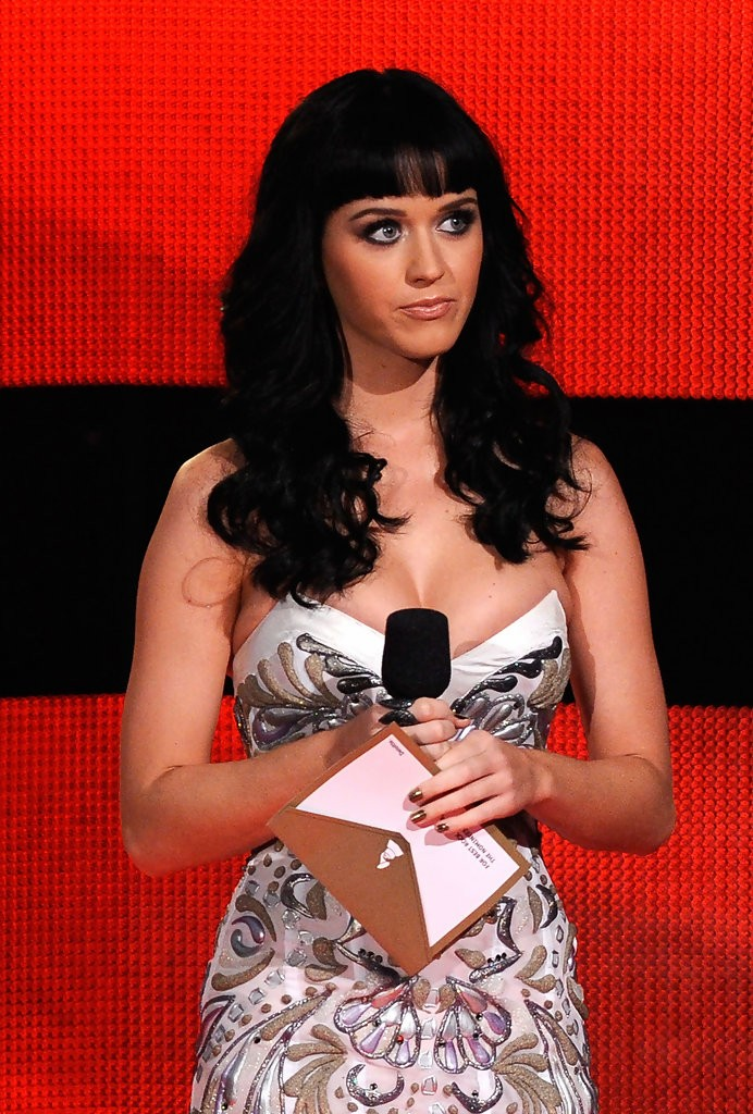 Katy Perry – The GRAMMY Nominations Concert Live 010