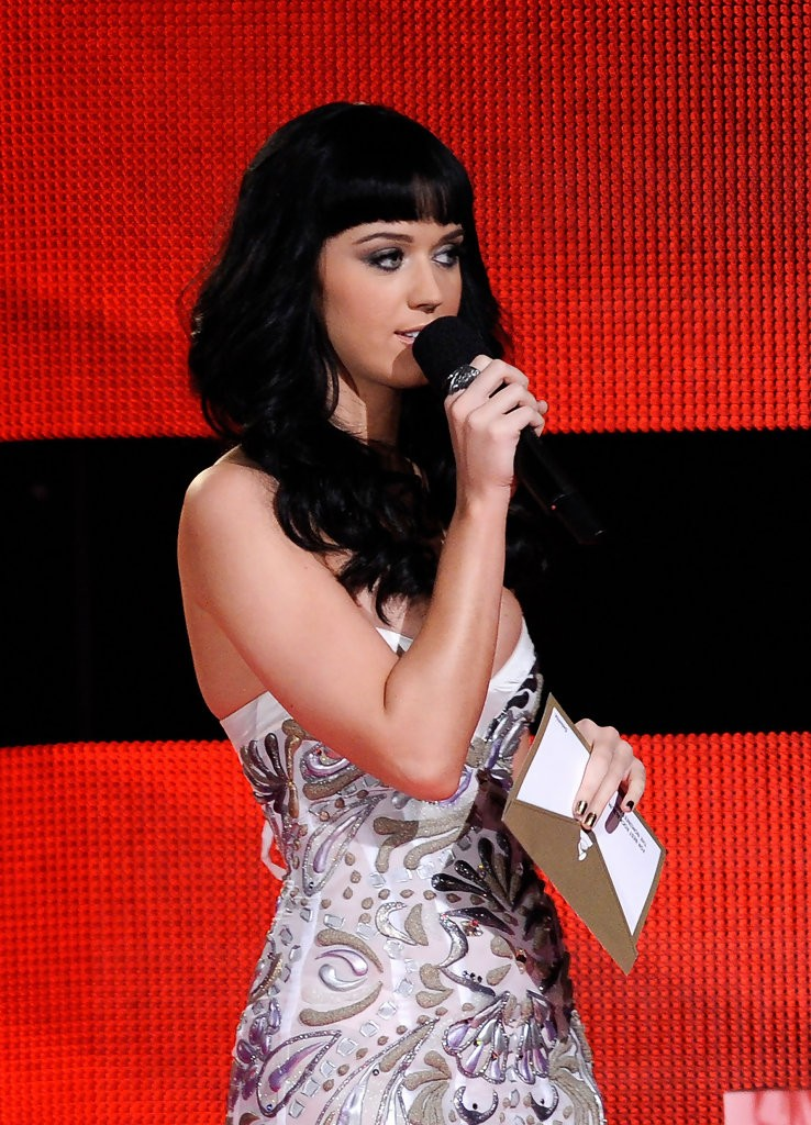 Katy Perry – The GRAMMY Nominations Concert Live 012