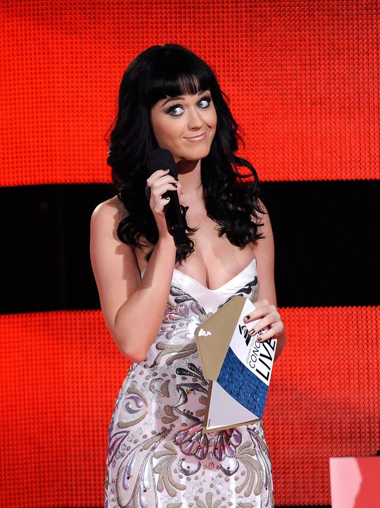 Katy Perry – The GRAMMY Nominations Concert Live 013