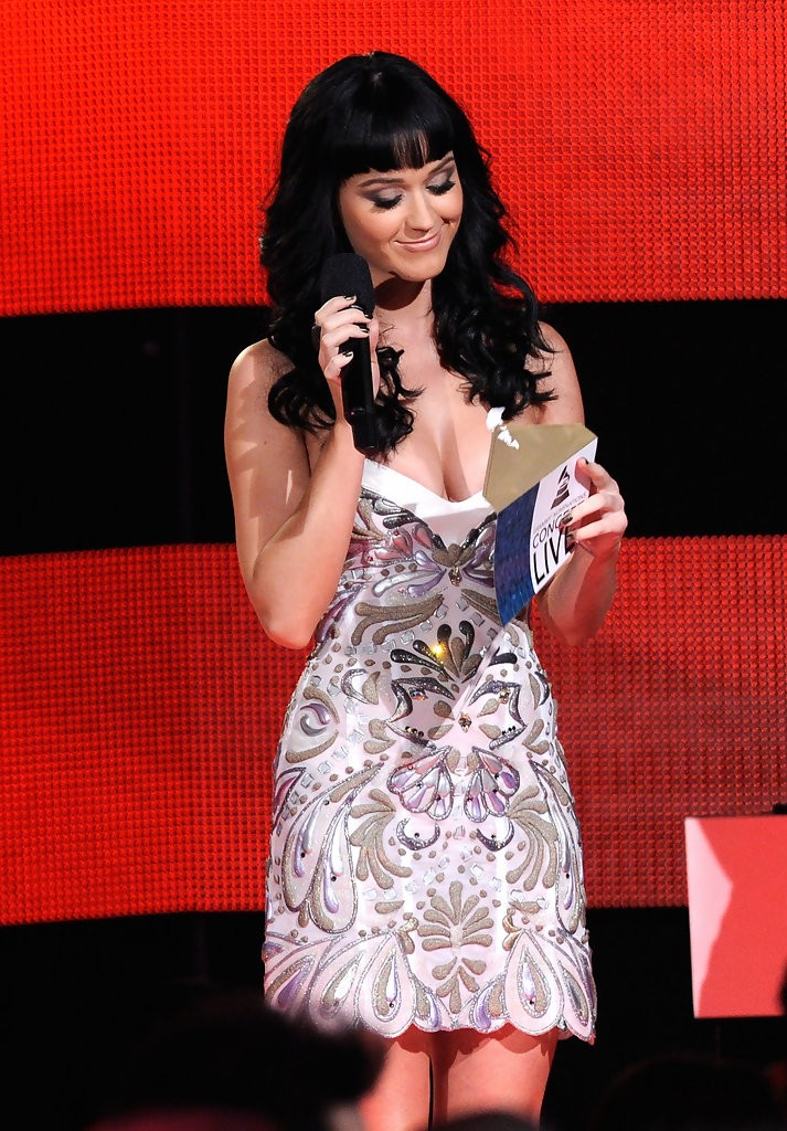 Katy Perry – The GRAMMY Nominations Concert Live 015