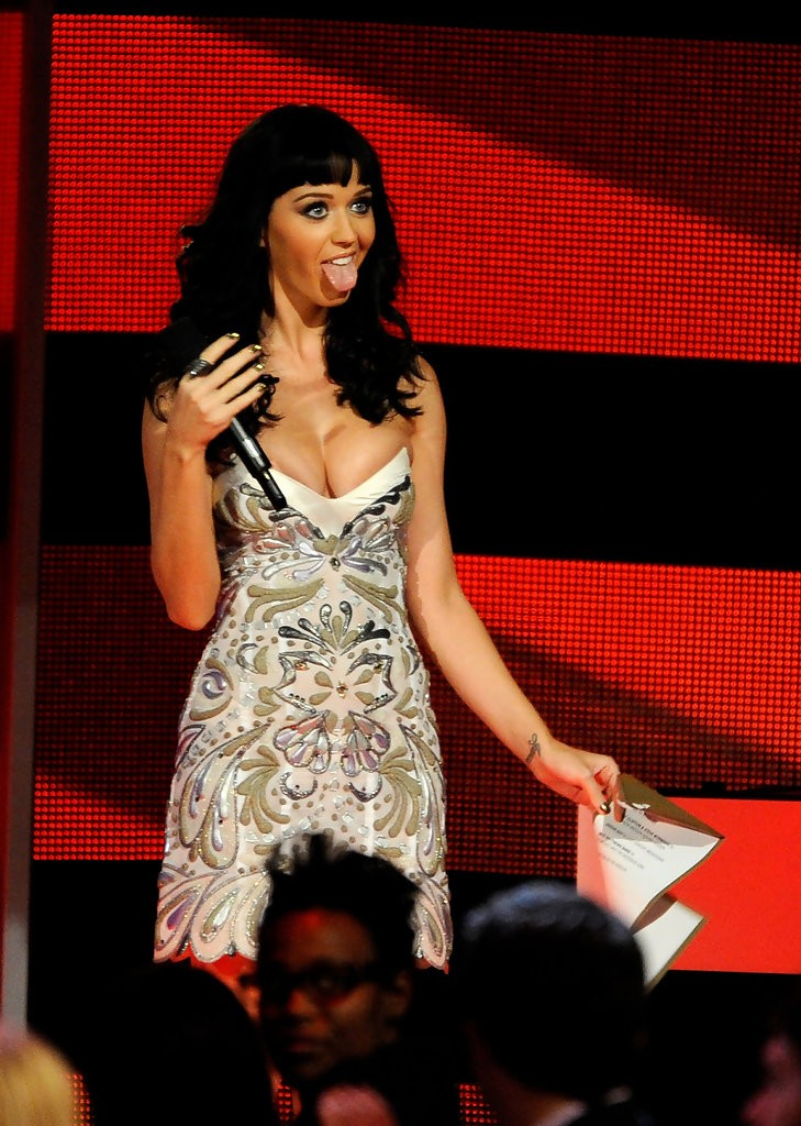 Katy Perry – The GRAMMY Nominations Concert Live 020