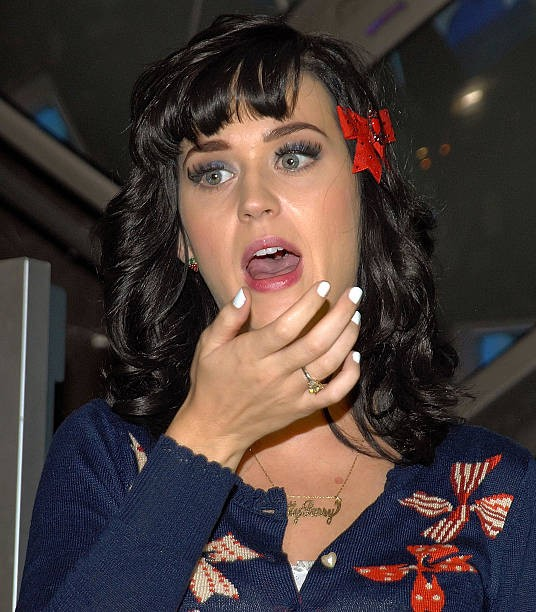 Katy Perry signs copies of One of the Boys at Mixup Plaza Loreto 015