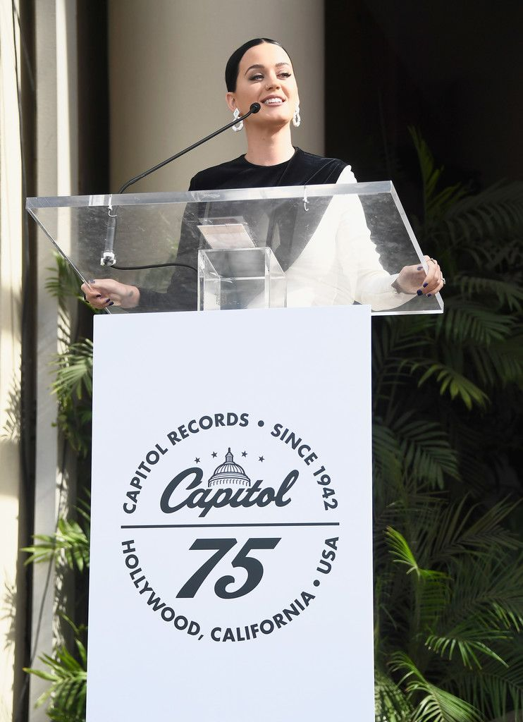 Hollwood Star of Recognition at Capital Records_018