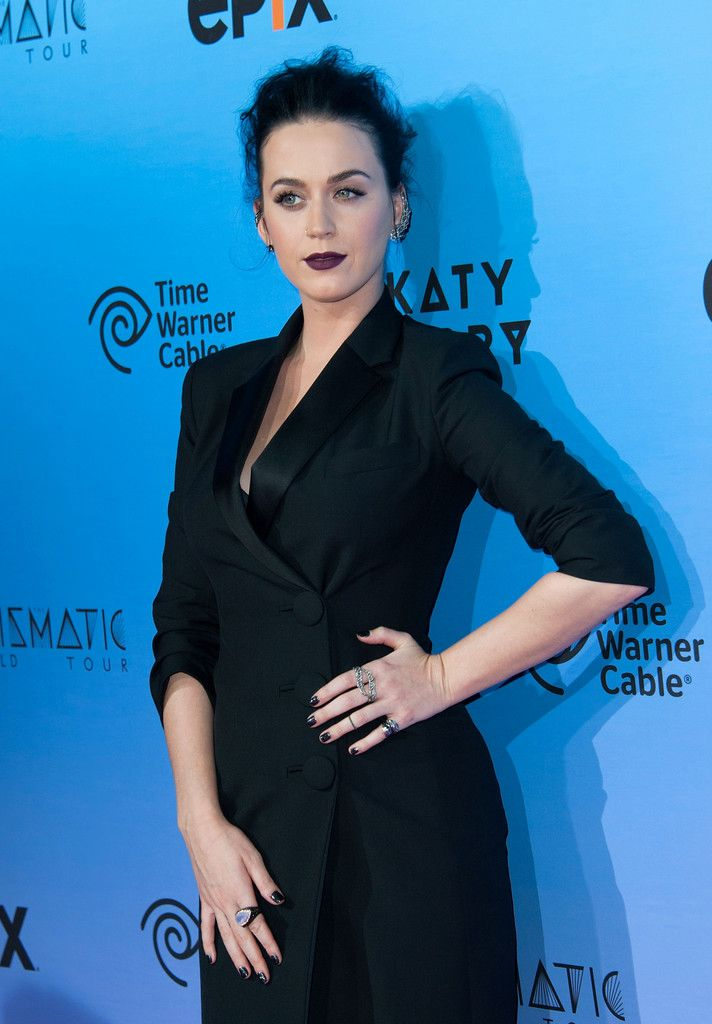 Katy Perry- The Prismatic World Tour Screening_150